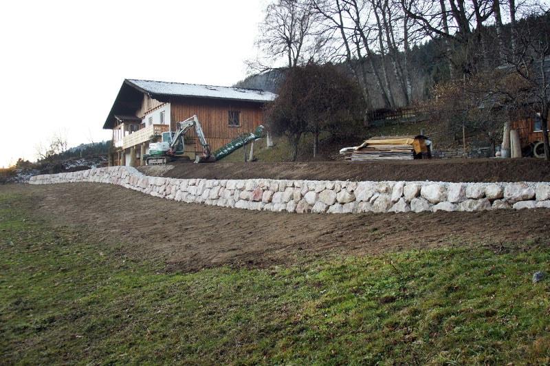 Referenzen | 5 kalksteinmauer grundstuecksabgrenzung ardning