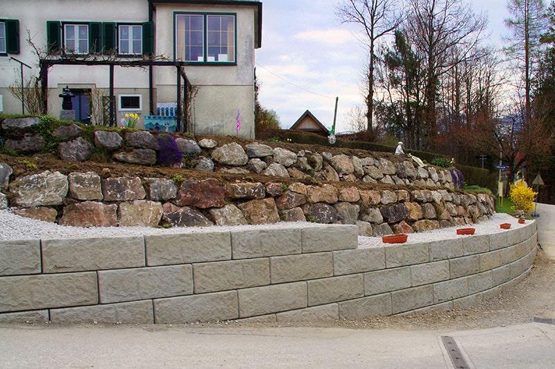 garten-boeschungssicherung-natursteinmauer-windischgarsten