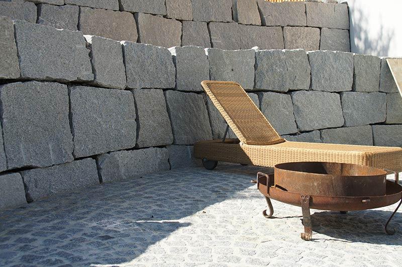 steinmauer_granitbloecke_800x532